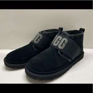 NEW UGG Neumel II Graphic Spell Out Mens Boots